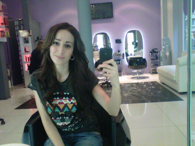 Kenza Farah chez Hair Glam Extensions