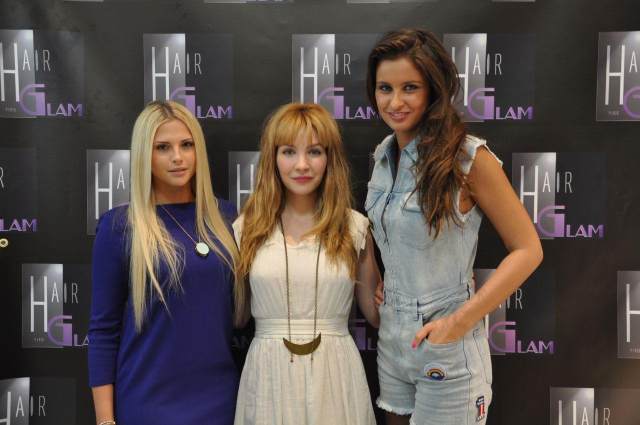 Malika Ménard et Kelly Vedovelli au salon de coiffure Hair Glam Extensions